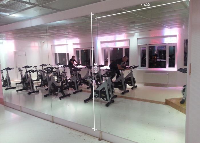Зеркала в фитнес 2000 1400 мм. ( 200 х 140 см)